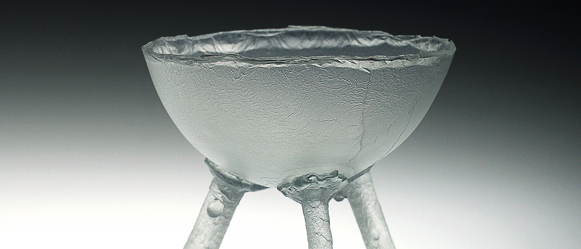 Ione Thorkelsson, Three-footed bowl, 1993, cast glass, 11.5 x 16 cm. diam. Photo courtesy of the artist